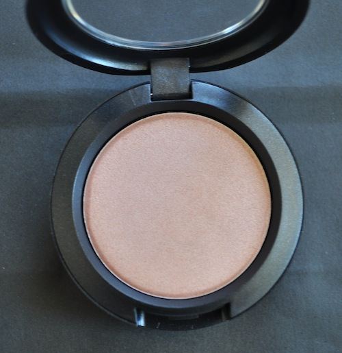 Cream Colour Base in Shell – this can be used as anything from eye shadow to blush!