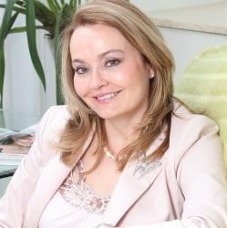 Dr Maureen Allem